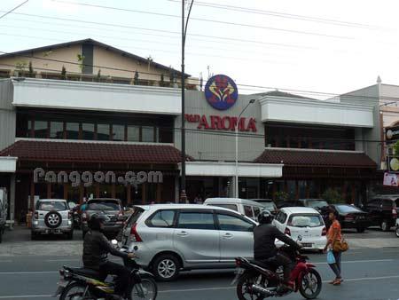 Pasar Swalayan P & D Aroma Purwokerto