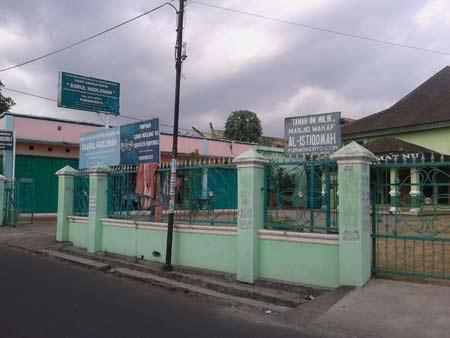Panti Asuhan Putri Darul Hadlonah Purwokerto