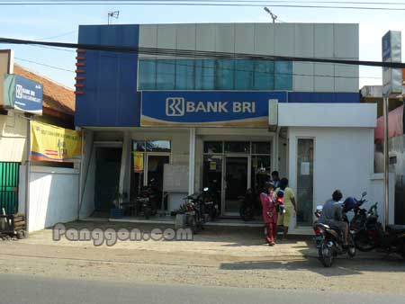 ATM dan Bank BRI Unit Karangjati Kemranjen Banyumas