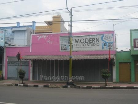 Alamat dan Telpon Modern Foto