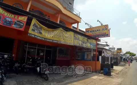 """Rumah Makan """"Minang Juo"""" Purwokerto"""